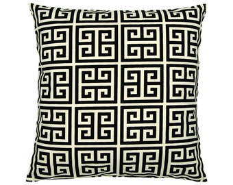 Pillowcase of Greek key pattern TOWERS 40 x 40 cm black natural