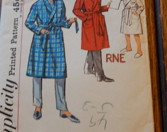 Simplicity 4740 Vintage boys' robe pattern with monogram transfers Uncut Size 4