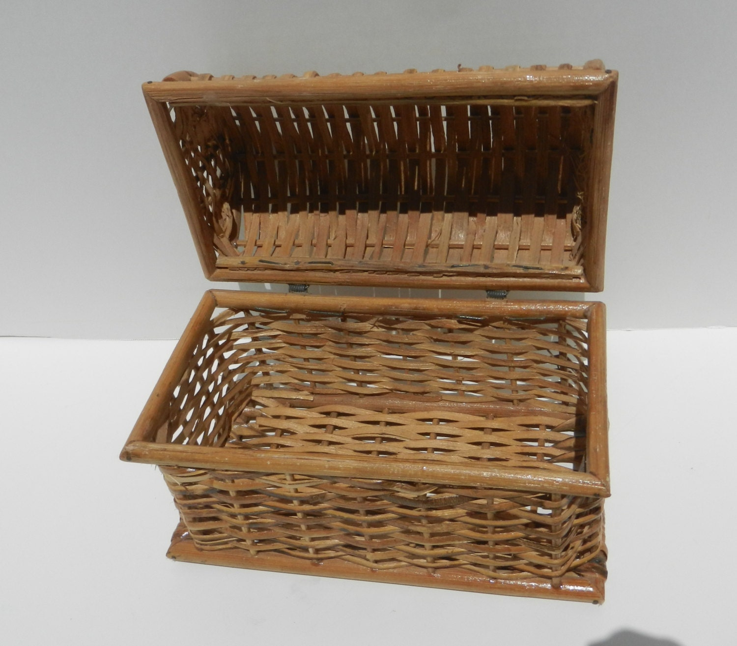 Woven Basket With Hinged Lid : Small vintage wicker chest box with hinged lid for storage