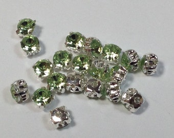 20 crystals strass green 4mm.