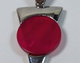 1 Big charms triangle with round and flat red pearl in hypoallergenic metal. 60 mm.