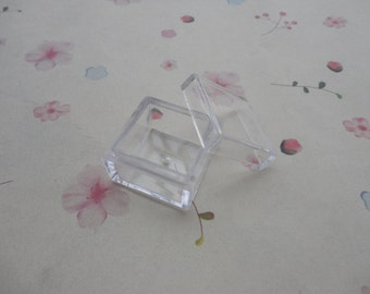 20pcs small clear plastic box , square plastic box , 25x25x18mm -- OA46