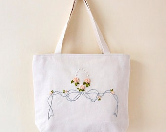Handmade Ribbon Embroidery Flower Pattern Shoulder Bag