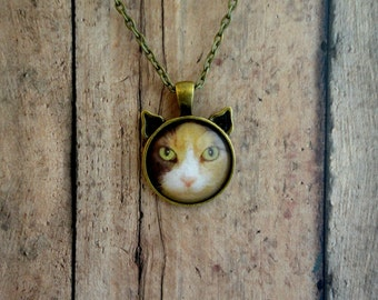 Cat Necklace, Custom Cat photo Necklace, Cat lover, jewelry, Your cat photo, FREE Shipping!! Plus a FREE GIFT!!   Free shipping