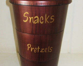 Vintage Faux Wood Enesco Plastic Nesting Snack Bowls with Lid - Snacks, Pretzels, Nuts
