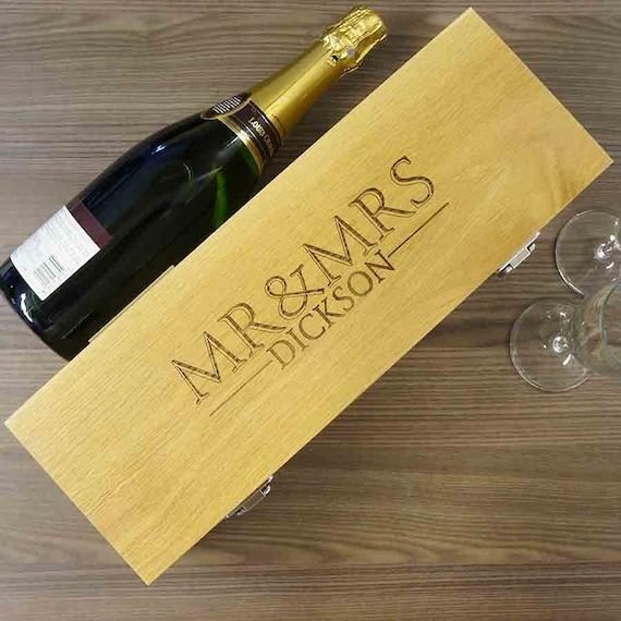 Personalised Wedding Gift Oak Bottle Box : Personalised Wedding Gift Wine Box Mr & Mrs wedding gift. Solid Oak ...