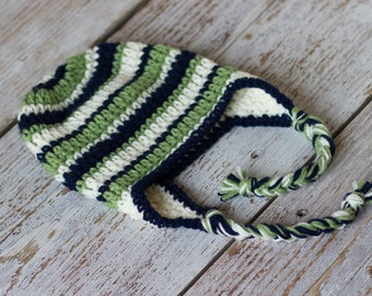 Crochet baby boy earflap hat. Green, navy blue and white. Winter hat.