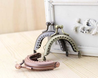 1 PCS, 5cm / 2 inch, Small Cute Half Rounded Solid Kiss Clasp Lock Purse Frame w/ Key Hole