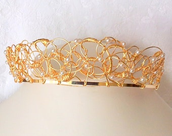 White pearl gold wire tiara, Abstract crown style bridal tiara, wedding tiara, Romantic wedding, pearl crown