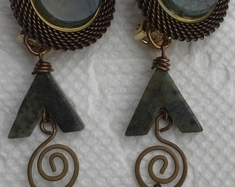 Vintage Caylia clip on dangling earrings bronze tone, copper, gold tone , mesh, faceted green jasper stones and beads.