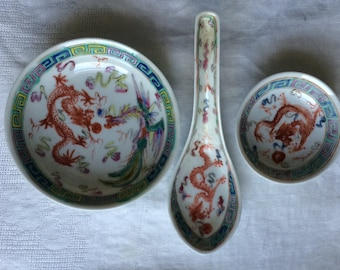 Antiques Chinese Porcelain Famille Rose Hand Painted Dragon Phoenix Bowl Set of 3 19th Century