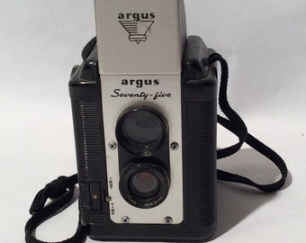 Vintage 1950s Argus Seventy-Five 620 Film TLR Camera