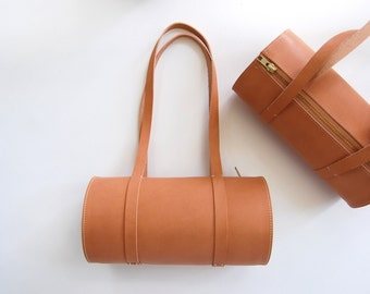 Barrel Bag in nude / peach leather