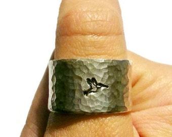 Hummingbird Ring - Hummingbird Jewelry - Bird Ring - Bird Jewelry - Wide Ring  - Silver Jewelry - Silver Ring - Hammered jewelry