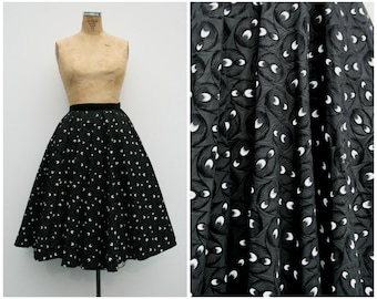 1950s | Black & White Taffeta/Flocked Velvet Circle Skirt | Size XS