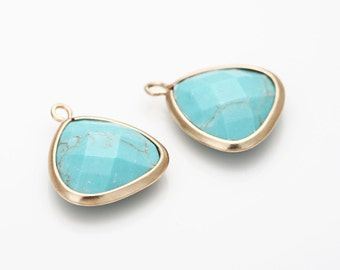 Turquoise Glass Triangle Pendant  Matte Gold -Plated - 2 Pieces [SS0010-MGTQ]