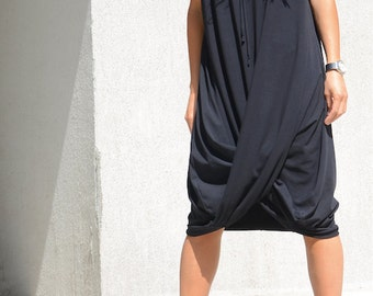 Black hooded dress for oversized women, mid knee loose dress, draped tunic, plus size everyday wear for women, hooded pullover dress