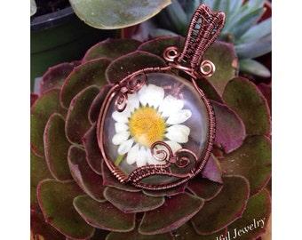 Preserved Daisy Necklace