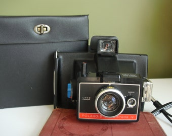 Vintage Polaroid Colorpack IV Land Camera w/ Case - Epsteam