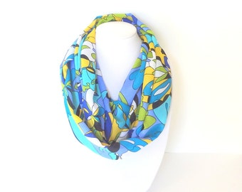 Infinity Scarf, Tropical Print Scarf, Bold Scarf, Mulitcolor Scarf, Colorful scarf, Gift for her