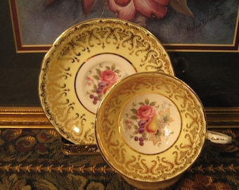 Paragon Tea cup & saucer. Pristine Condition!