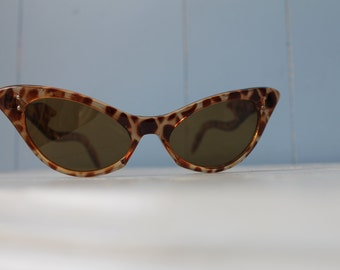 Vintage Rare Linda Farrow Tortoiseshell Cat Eye Sunglasses