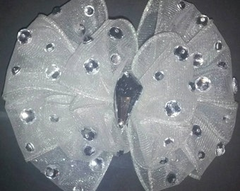 Off white pageant bow