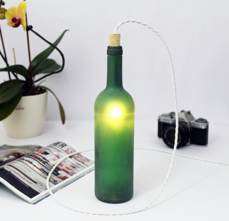 gr ner wein flasche lampe tischleuchte glas bodenbeleuchtung. Black Bedroom Furniture Sets. Home Design Ideas