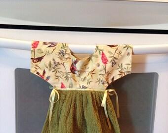 Unique stove towel , kitchen towel in a bird print, dress stove towel