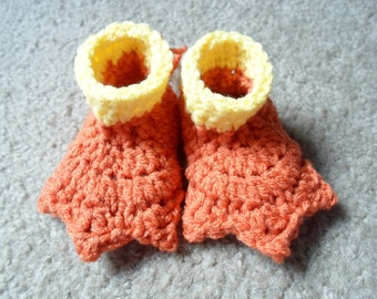 Crochet Duck Webbed Booties. Available in Sizes: Newborn, 0-3 Mths, 3-6 Mths, 6-9 Mths, 9-12 Mths.