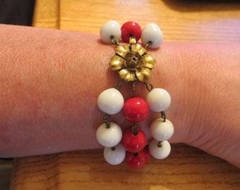 Glass bead 3 strand red and white bracelet with floral clasp 1940s