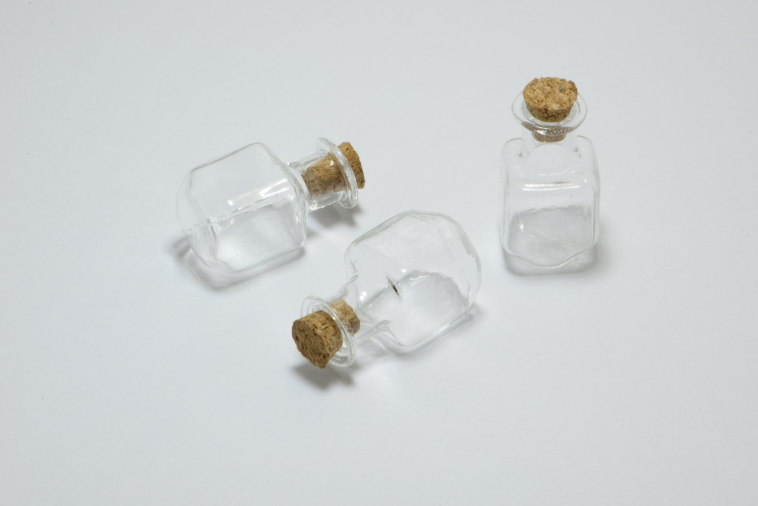 5pcs small glass bottles with corks and eye screws glass for Colored glass bottles with corks
