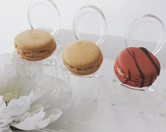 wedding favor macarons, french macaron wedding favors, french macaron chair, ottawa macarons, order macarons online, ottawa wedding favors