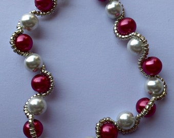 Bracelet with beads and seed beads in 2 colors silver