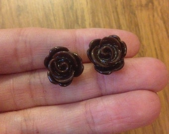 Free shipping!!! Brown Rose Stud Earrings. 11mm 4
