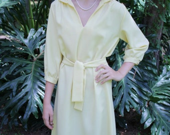 1950's Sunny Yellow V-Neck Dress