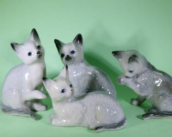 Cat - handpainted porcelain figurine 4 group - 2709