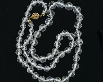 Vintage faceted rock crystal knotted necklace. (nlbd983)