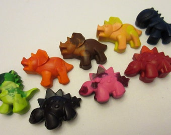 Set of 8 Colorful Dinosaur Crayons