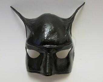 Masque de carnaval en cuir-noir