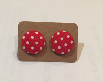 Red and white polka dots. Fabric earring. 15mm.