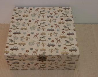 Childrens keepsake box decopatch