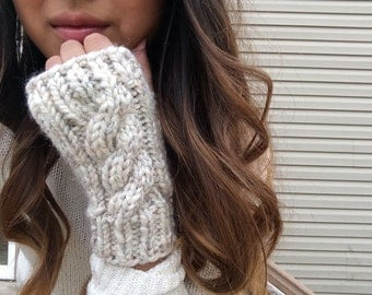 Cable Knit Wool Fingerless Gloves |The Oakdale / Wheat