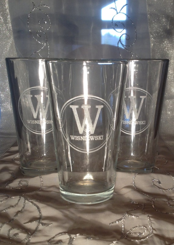 Engraved Wedding Beer Glasses : Personalized Engraved 16 oz Pint Glasses - Monogram, Wedding ...