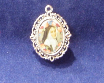 Saint Bernadette of Lourdes Religious Medal, Patron Saint of illness, poverty, shepherds, shepherdesses,