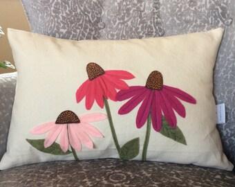 Cone Flower Pillow Cover, Flower Pillow, felt flower Applique, Summer Pillow, sofa cushion, decorative Toss pillow, accent pillow, 12x18