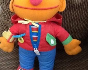 Vintage Sesame Street Dress Me-Up Erine Doll 1990 Playskool