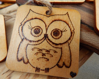 Wooden Owl keychain - Handmade - Keychain or twine supplied
