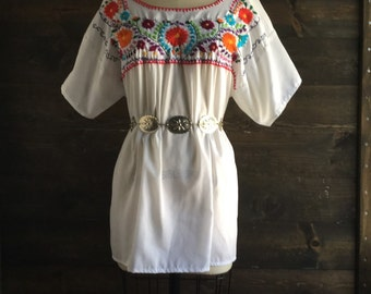 Vintage 70s mexican embroidered blouse / oaxaca top / folklorico / boho // 134 - Adriana //