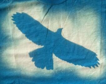 Soaring Hawk Adult T-shirt size Medium Heather Blue